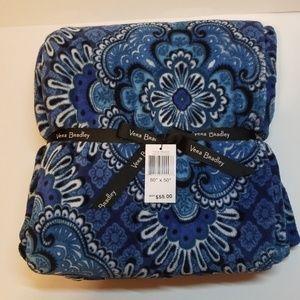 Vera Bradley Throw Blanket in Blue Tapestry! NWT!